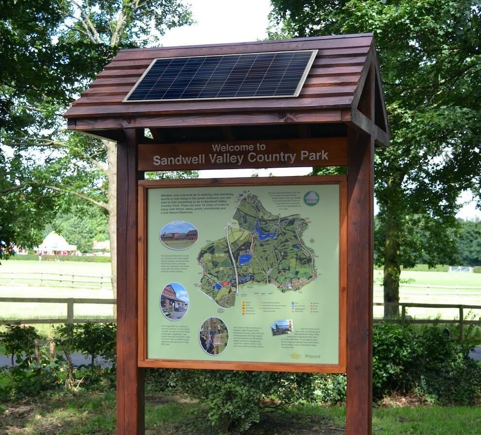 solar powered outdoor digital info point sign
